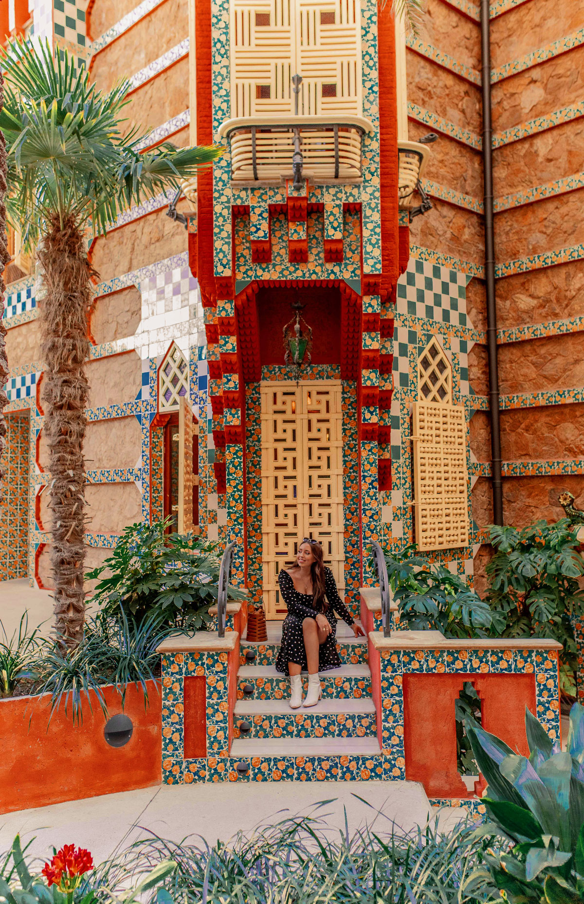 Top-things-to-do-in-Barcelona-Bucket-list--Instagram-Story-Template--kelseyinlondon-Kelsey-Heinrichs--What-to-do-in-Barcelona--Where-to-go-in-Barcelona-top-places-in-Barcelona-casa-vicens-2