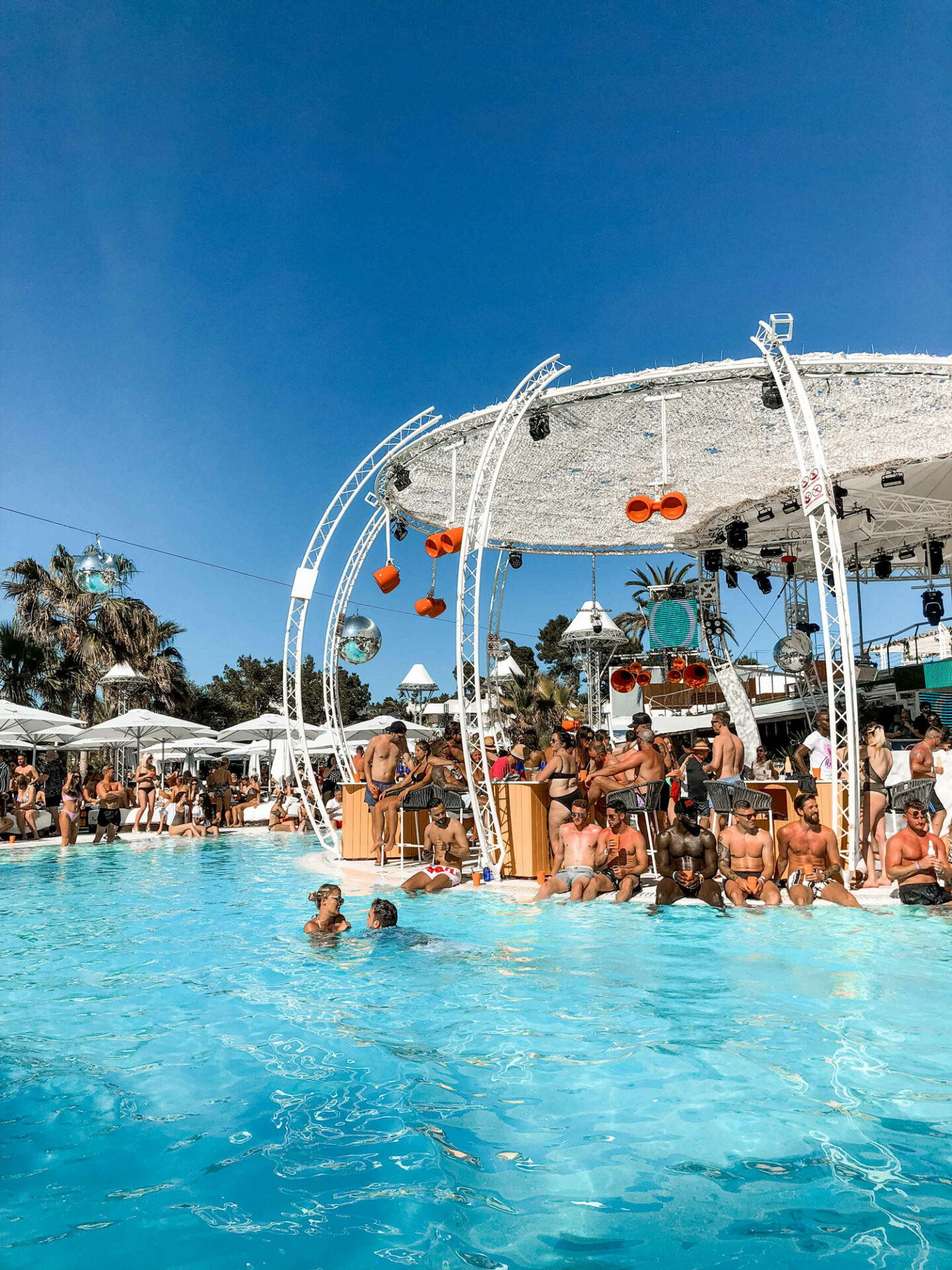 1-Top-things-to-do-in-Ibiza-Bucket-list--Instagram-Story-Template--kelseyinlondon-Kelsey-Heinrichs--What-to-do-in-Ibiza--Where-to-go-in-Ibiza-top-places-in-Ibiza-o-beach