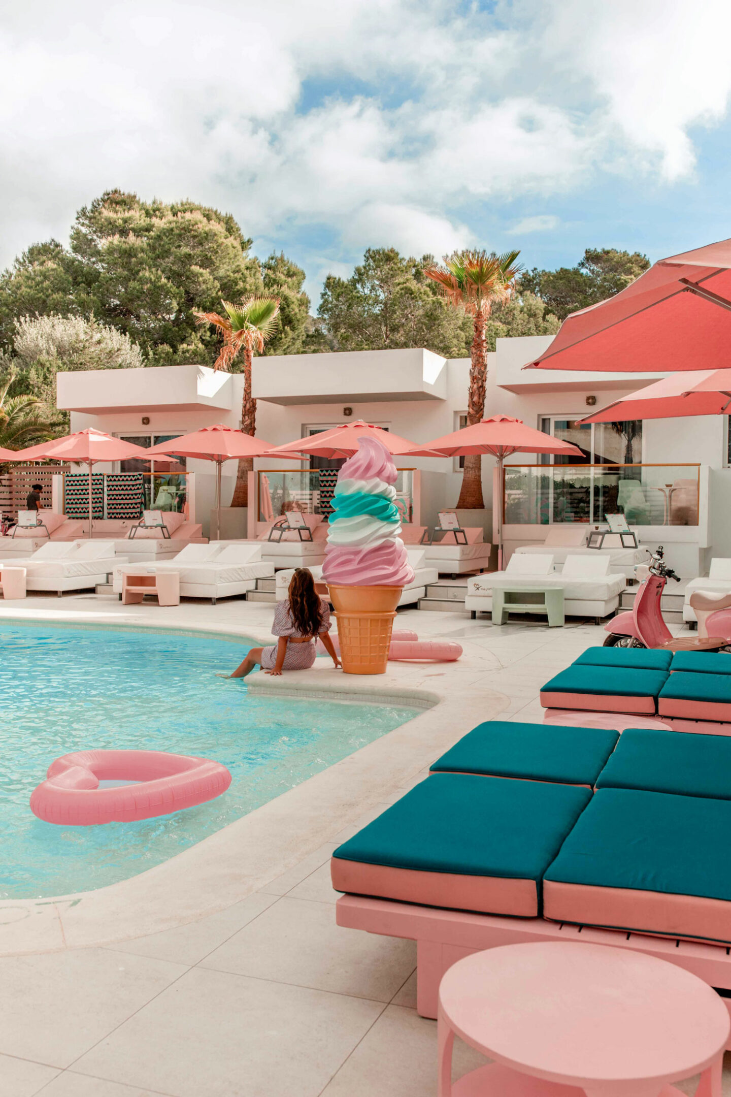 Top-things-to-do-in-Ibiza-Bucket-list--Instagram-Story-Template--kelseyinlondon-Kelsey-Heinrichs--What-to-do-in-Ibiza--Where-to-go-in-Ibiza-top-places-in-Ibiza-wi-ki-woo-hotel