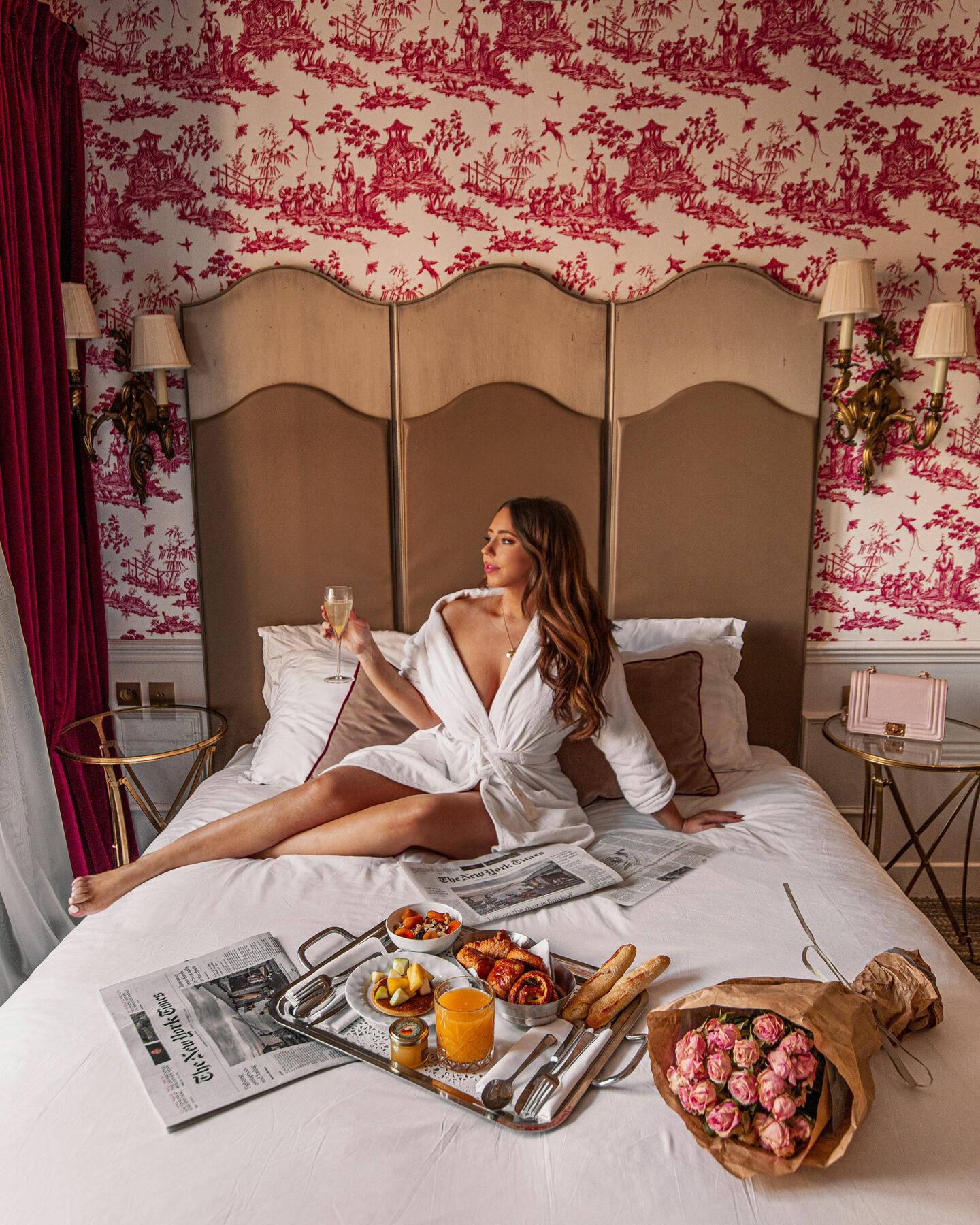 1-best-hotels-in-paris-where-to-stay-in-paris-paris-boutique-hotel-la-maison-favart-kelsey-heinrichs-kelseyinlondon