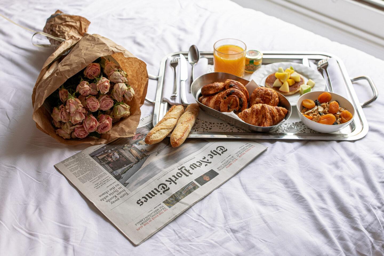 2-best-hotels-in-paris-where-to-stay-in-paris-paris-boutique-hotel-la-maison-favart-kelsey-heinrichs-kelseyinlondon