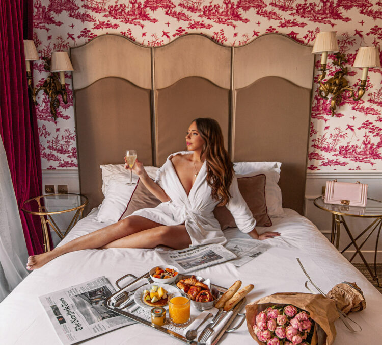 best-hotels-in-paris-where-to-stay-in-paris-paris-boutique-hotel-la-maison-favart-kelsey-heinrichs-kelseyinlondon