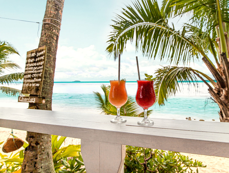 Charlie's Beach Bar Cook-Islands-Travel-Guide-–-Rarotonga-–-Aitutaki-–-Kelsey-Heinrichs---@kelseyinlondon