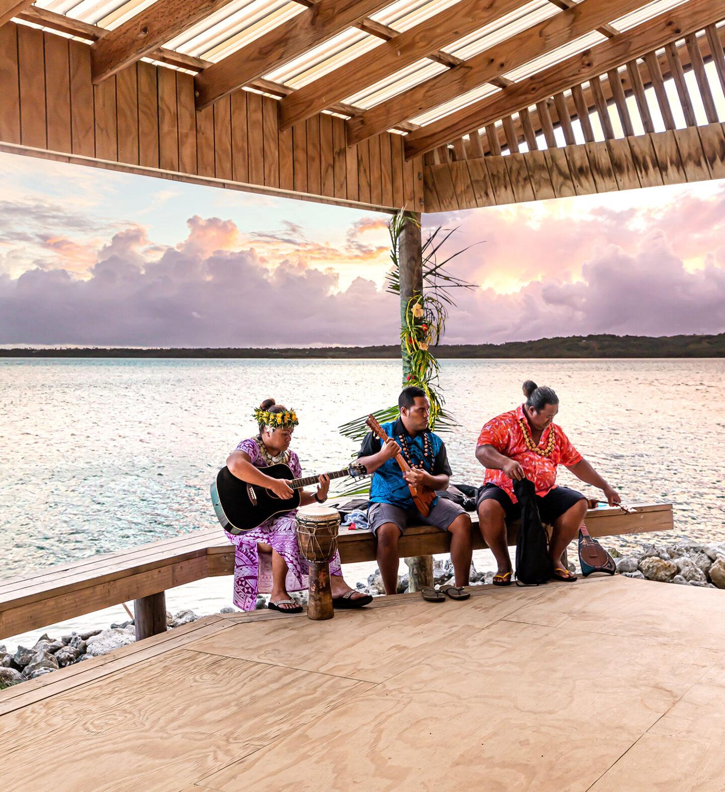Island Night at Aitutaki Village- Cook Islands Travel Guide – Rarotonga – Aitutaki – Kelsey Heinrichs - @kelseyinlondon