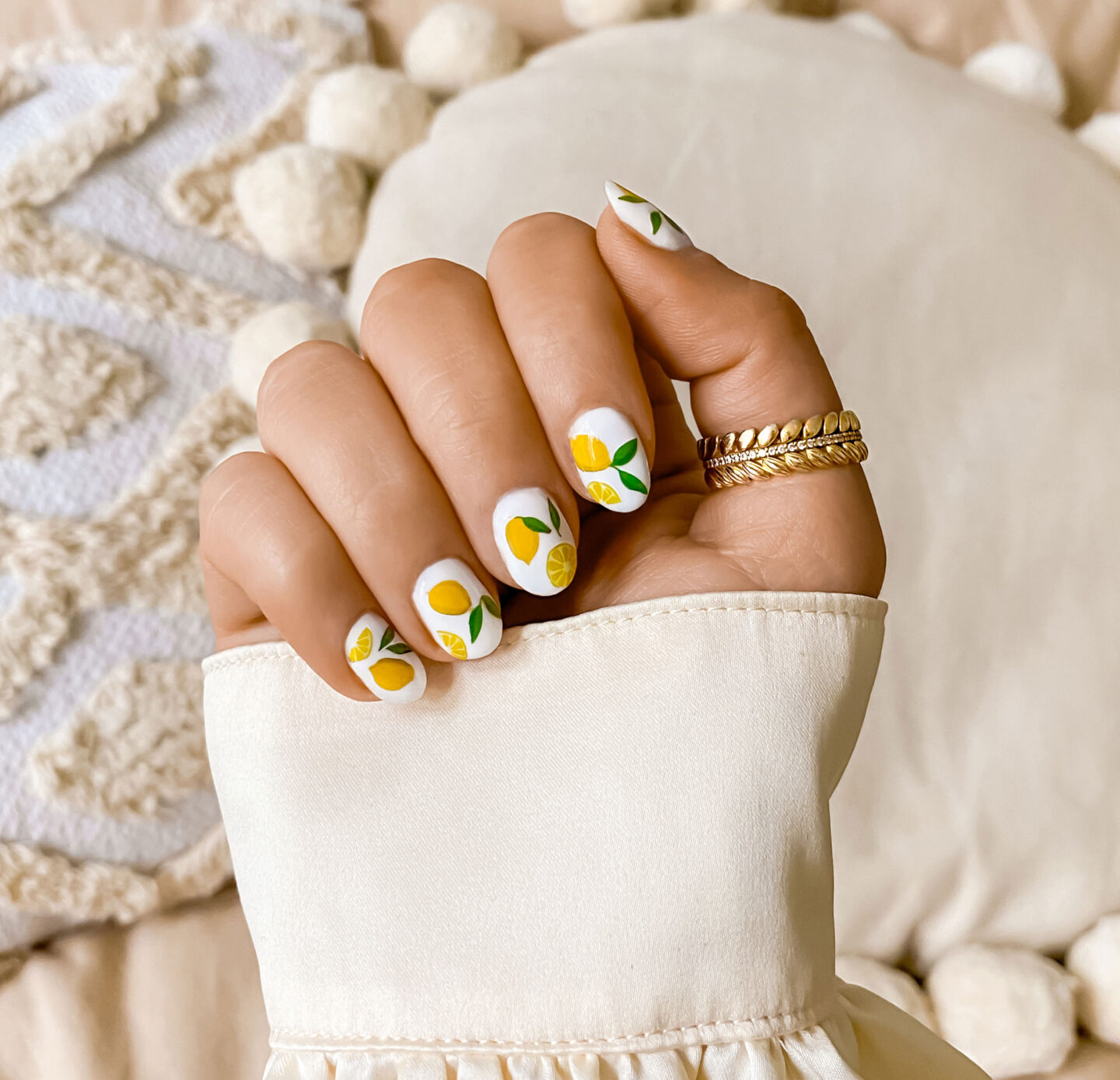 3-kelseyinlondon-kelsey-heinrichs-growing-nails-how-to-grow-your-nails-nail-art-ideas-nail-decals-diy-gel-manicure